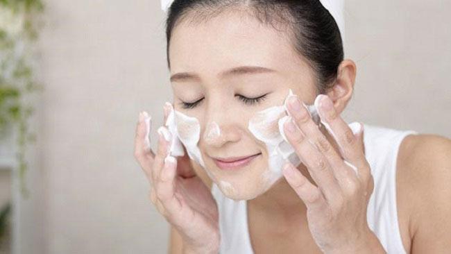 Hình 4 Các loại mỹ phẩm trang điểm dành cho da nhờn