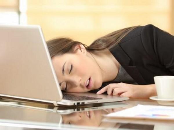 Thiếu ngủ-nguyên nhân gây nám 2 gò má