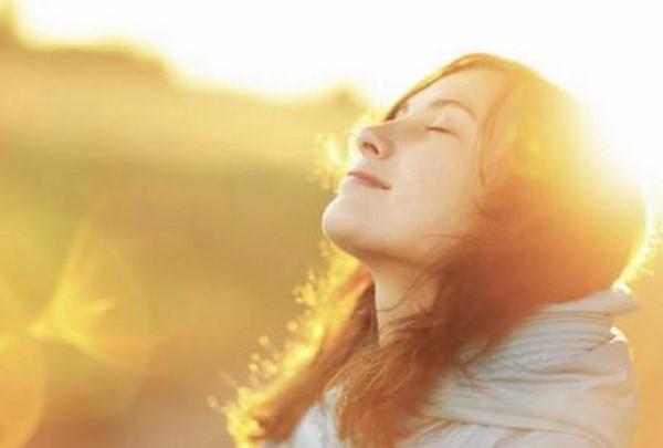 Ánh nắng mặt trời-nguyên nhân gây nám má